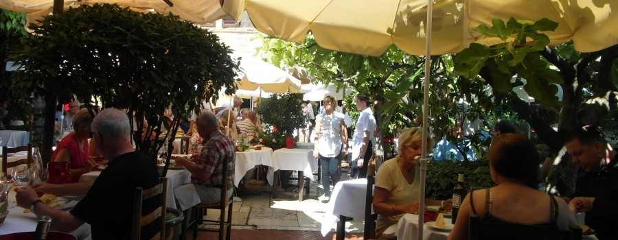 La Colombe d'Or ~ Luncheon in the shadow of artists