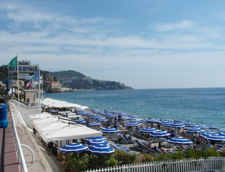 Topless Beach: Plage Beau Rivage in Nice