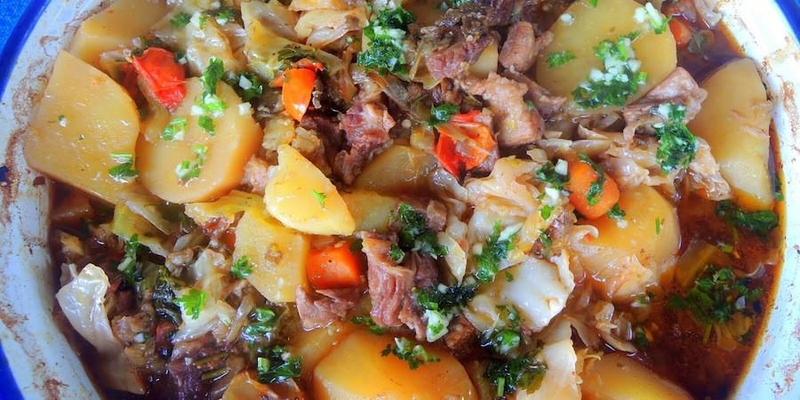 BEST of Bosnia Herzegovina food : Bosanski Lonac !