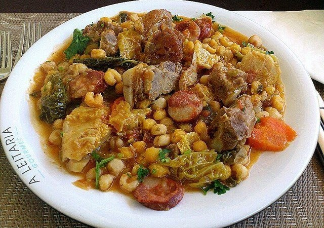 BEST of Cape Verde food : Cachupa !