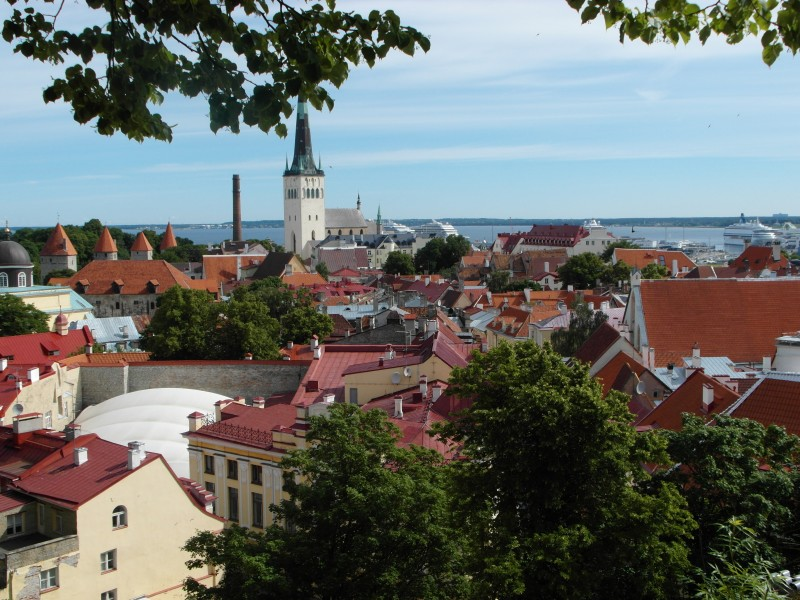 Tallinn Estonia ~ A walking tour of historic touristy Tallinn