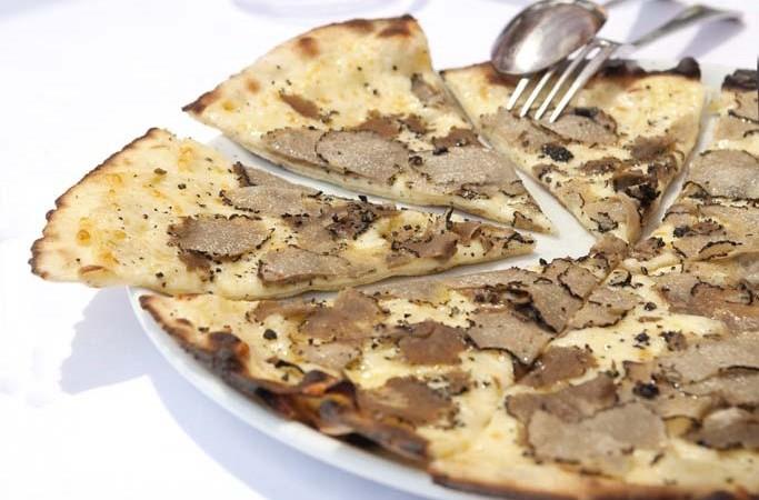 African Queen, Beaulieu-sur-Mer: Best pizza ever!