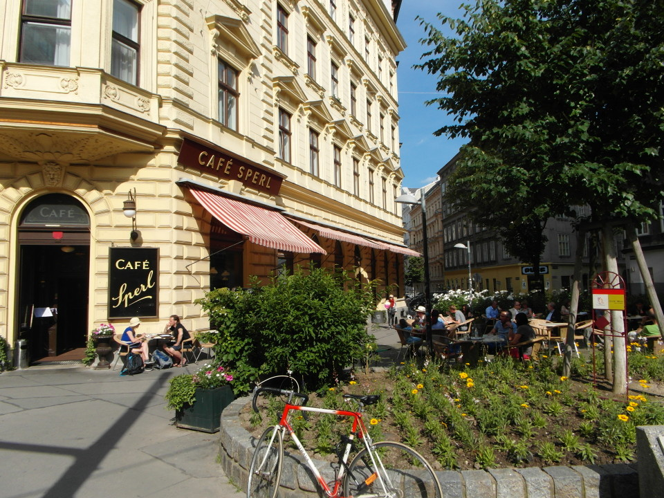 Vienna cafes and coffee houses : Cafe Sperl