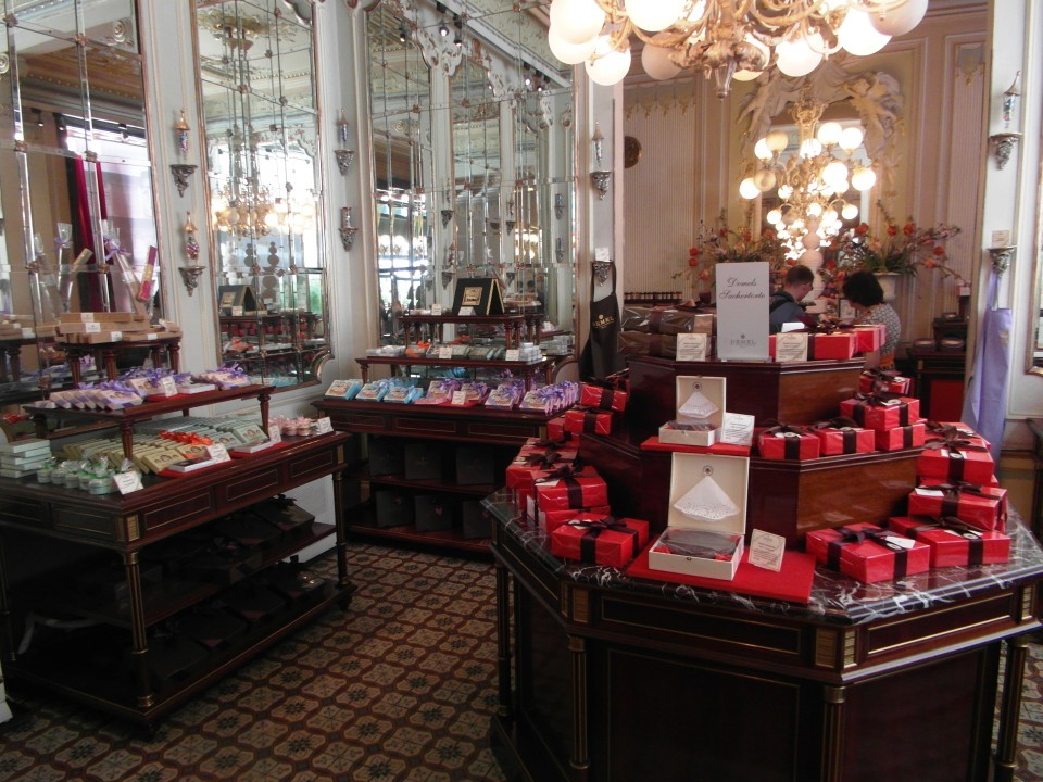 Vienna cafes and coffee houses : Cafe Demel