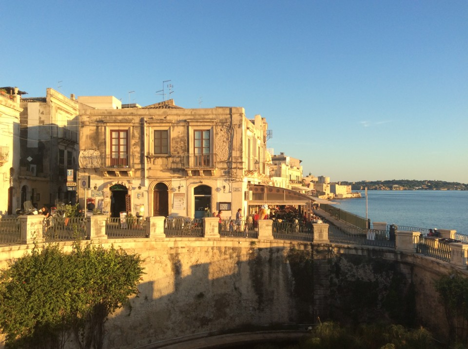 Southeast Sicily : Golden city of Siracusa