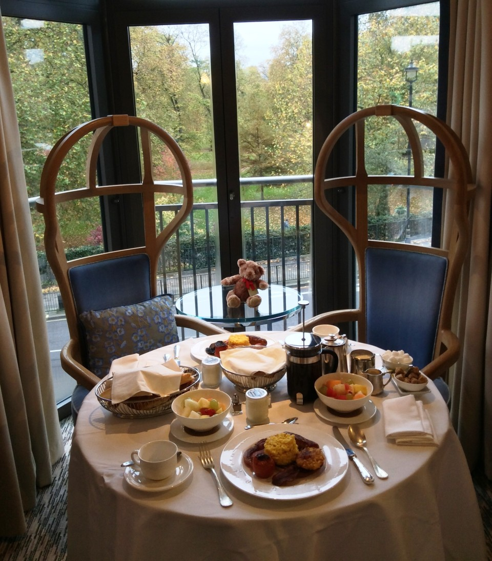 Park View room breakfast at the Athenaeum Hotel in London, England