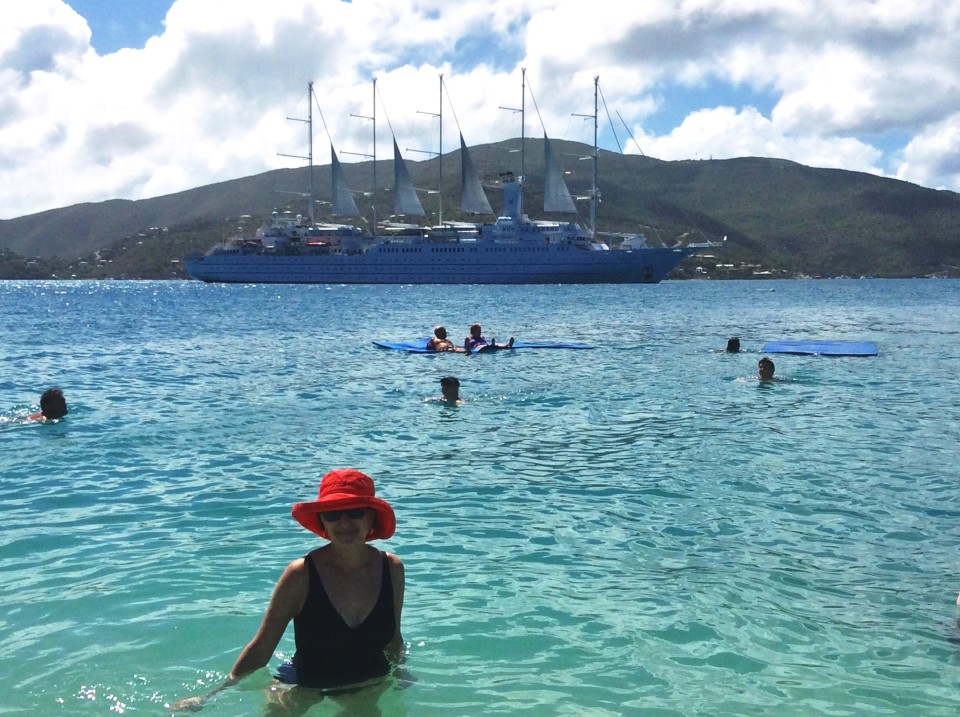 Yacht Cruising the Caribbean in style with Windstar Cruises : Fun in the sun at Prickley Pear Island