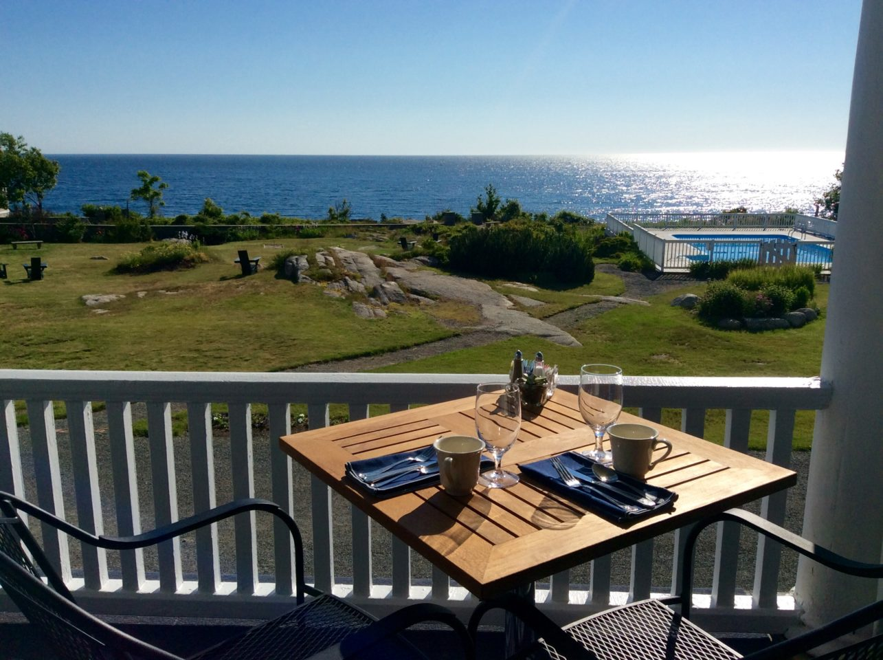 Emerson Inn by the Sea : Dining with a View